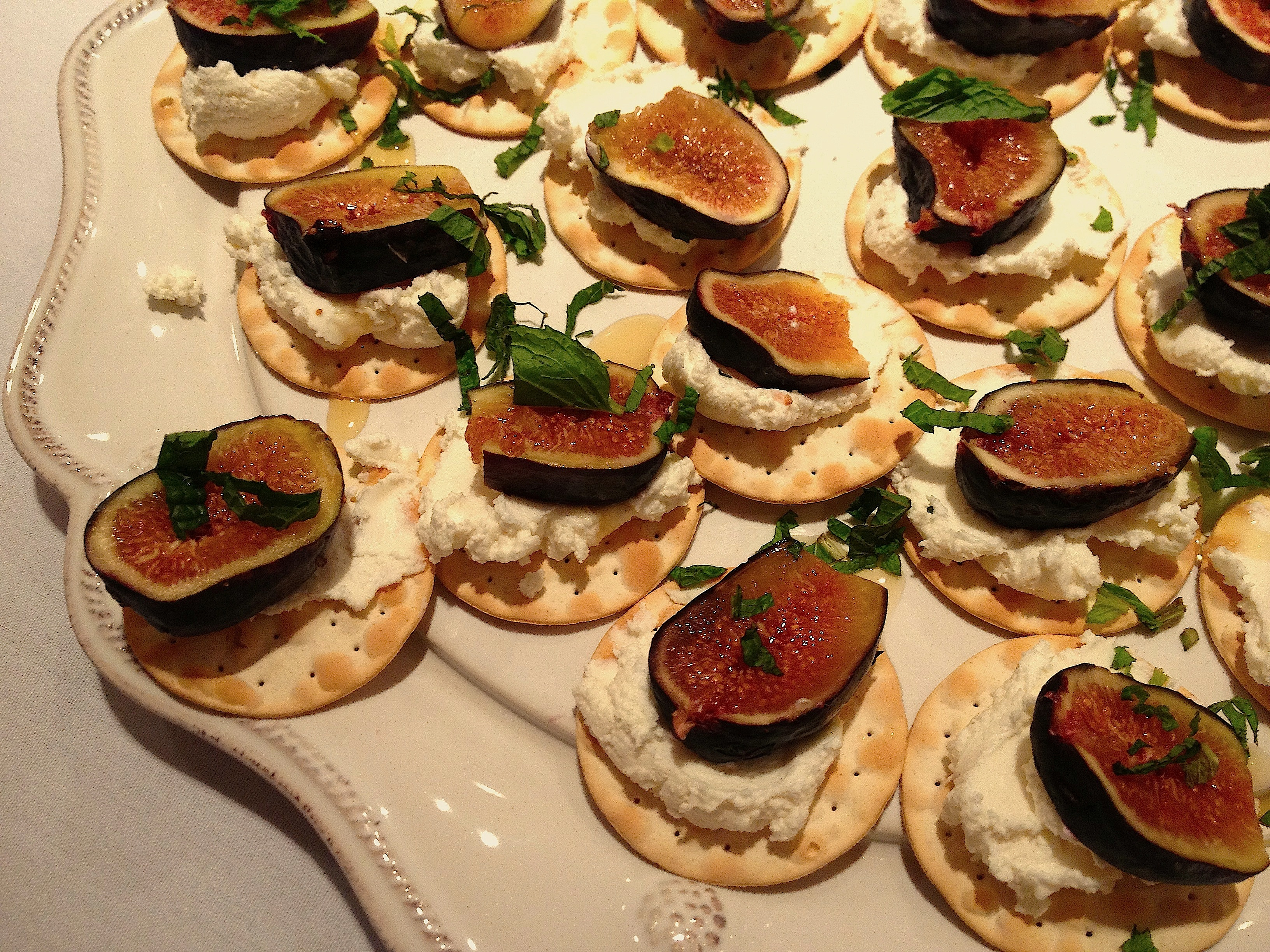 Fig and goat cheese canap s spicebox travels for Cheese canape ideas