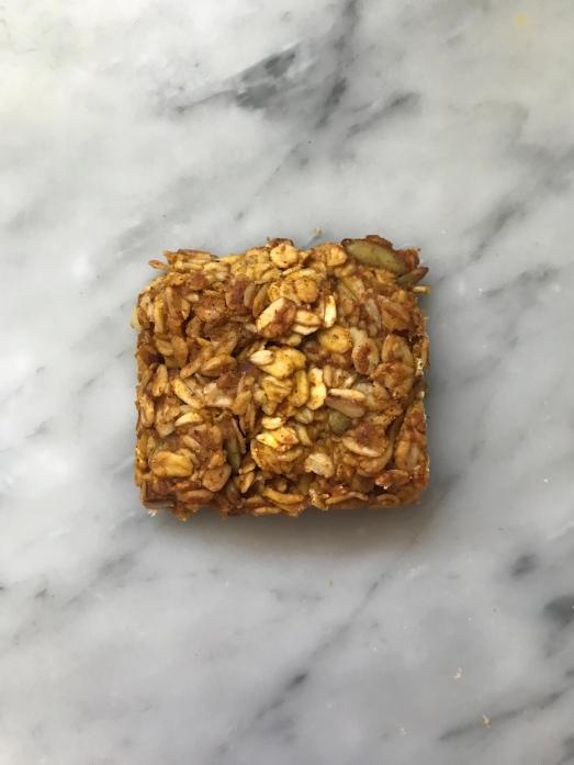 pumpkin spice oat bar.jpg