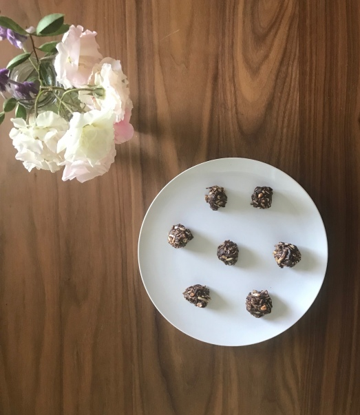 dark chocolate almond-oat bites.jpg